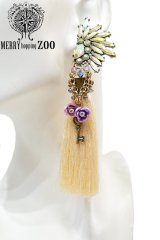 "【MERRYhoppingZOO】 ""engagement Island"" タッセルピアス"